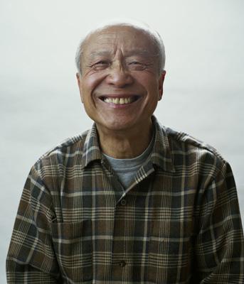 http://agnonwong.com/files/gimgs/34_grandpa.jpg